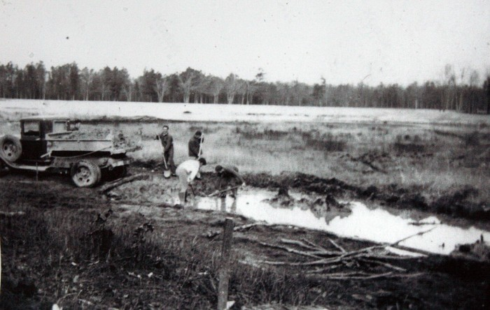 Vintage pic of workers in Lake Nummy Bog