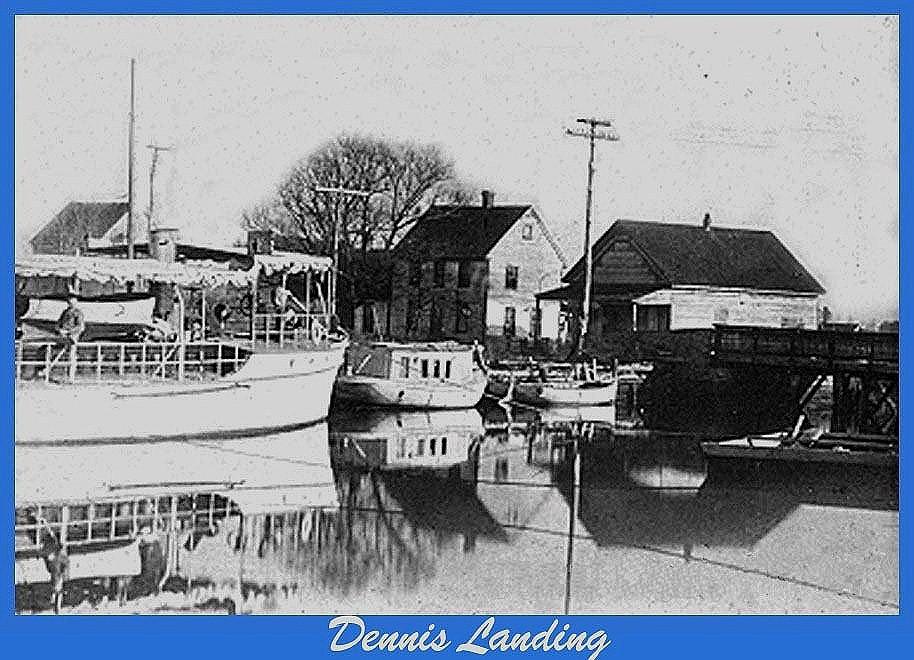 Buildings and boat at Dennis Creek Landing